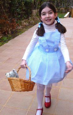Cómo hacer un disfraz de Dorothy de El Mago de Oz/ Dorothy Wizard of Oz costume Halloween Disfraces, Kids Girls, Dress Up, Ballet, Mini, Vintage, Ideas, Fashion, Carnival