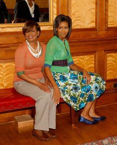 """Daughter & Mother Love: A mother's day photo of Mrs Robinson and her daughter, First Lady Michelle Obama. """"She has pulled me up when I've stumbled, she's pulled me back when I've run out of line,"""" First Lady Michelle Obama told ESSENCE about her mo Michelle Obama Flotus, Michelle Obama Fashion, Barack And Michelle, Joe Biden, Durham, Presidente Obama, Afro, Barack Obama Family, Malia And Sasha"""
