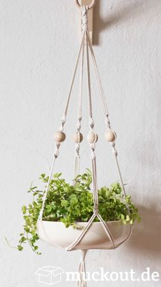 macrame/macrame anleitung+macrame diy/macrame wall hanging/macrame plant hanger/macrame knots+macrame schlüsselanhänger+macrame blumenampel+TWOME I Macrame Natural Dyer Maker Educator/MangoAndMore macrame studio Macrame Art, Macrame Design, Macrame Projects, Macrame Knots, Macrame Plant Hanger Patterns, Macrame Plant Holder, Diy Hanging Planter Macrame, Free Macrame Patterns, Art Macramé