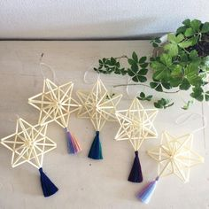 Love the tassels - super cute for a strand of lights! Christmas Holidays, Christmas Crafts, Christmas Ornaments, Handmade Crafts, Diy And Crafts, Diy For Kids, Crafts For Kids, Straw Crafts, Geometric Decor