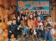 'Little People, Big World' Returns As The Roloff Family Faces New Challenges Little Women Dallas, Jeremy And Audrey, Roloff Family, Little People Big World, Best Pumpkin Patches, Pumpkin Farm, 19 Kids And Counting, Going On A Trip, Girl Blog