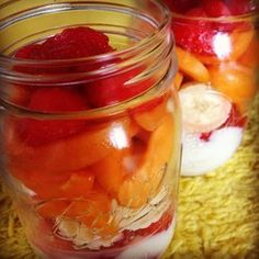 Fruit salad in a jar / Fruchtsalat im Glas - vegan, raw -