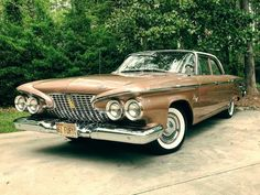 1961 Plymouth Fury Sedan - My old classic car collection American Dream Cars, American Classic Cars, Best Classic Cars, Vintage Cars, Antique Cars, Vintage Auto, Classic Car Garage, Plymouth Fury, Chevy Muscle Cars