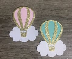 Hot Air Balloon Toppers - New sites Baby Shower Balloons, Birthday Balloons, Hot Air Balloon Cake, School Decorations, Baby Shower Decorations, Crafts, Etsy, Cake Toppers, Cupcakes