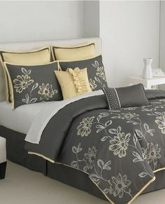 Victoria Classics Modern Rebecca Floral Comforter Set King Gray Yellow