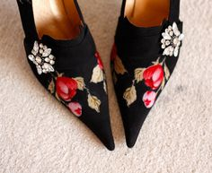Hey, I found this really awesome Etsy listing at https://www.etsy.com/listing/237018558/vintage-shoes-black-floral-nubuck