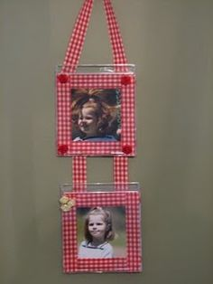 photo frame from recycled cd cases--I want to attempt this