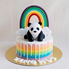 Very sweet birthday cake design for kids. Panda Birthday Cake, Animal Birthday Cakes, Cute Birthday Cakes, 9th Birthday, Bolo Panda, Cake Designs For Kids, Kreative Desserts, Panda Cakes, Panda Bear Cake