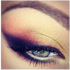 For all of you who love applying eyeliner and want to experiment with it, I have 12 Amazing Eyeliner Ideas. the eyeliner is always a good choice of makeup. Gorgeous Makeup, Love Makeup, Makeup Inspo, Makeup Inspiration, Makeup Tips, Makeup Looks, Makeup Course, Pretty Makeup, All Things Beauty
