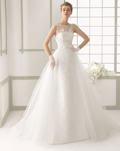 Beaded lace and tulle dress with tulle train with hemstitch detail, in ecru.