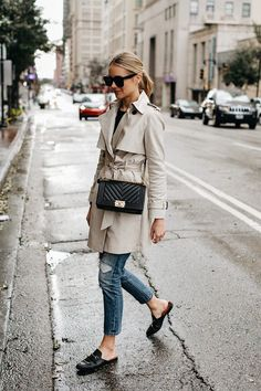 Upgrade Your Style Fall Trend With Trench Coat Outfit Ugly Outfits, Mode Outfits, Casual Outfits, Fashion Outfits, Fashion Boots, Trench Coat Outfit, Trench Coat Style, Rain Trench Coat, Coat Dress