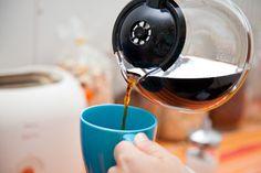Maistuvan kahvin ainekset ovat yksinkertaiset: raikas vesi, laadukas kahvi ja puhdas keitin. Katso, miten puhdistat kahvinkeittimen helposti!