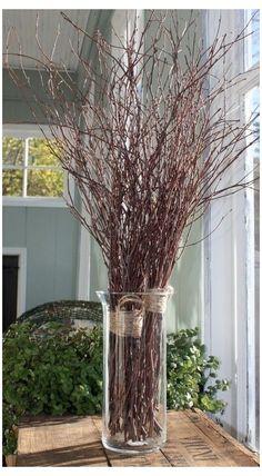 Twigs Decor, Vases Decor, Tree Branch Decor, Branch Centerpieces, Simple Centerpieces, Vase With Branches, Deco Nature, Deco Originale, Deco Floral