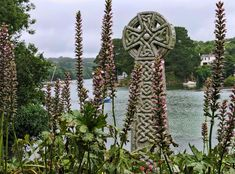 Celtic Cross - St Just in Roseland St Just, Celtic Art, Back Tattoo, Cornwall, Grief, Roads, Walks, Britain, Sketches