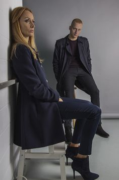 combination of black and navy blue. Black&navy. Black Chelsea shoes and navy blue trench coat.