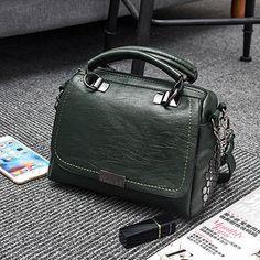 Luxury Designer Leather Women Handbags Fashion Rivets Crossbody Bags For Women Casual Tote Bag Large Size Ladies Handbag Sac a