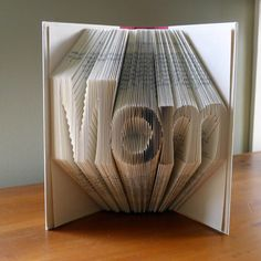 Mother's Day - Book Sulpture - Best Mom - Presents for Mothers / Moms -  Folded Book - Gifts for Mom - Baby Shower - New Mom Gift