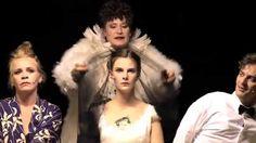 Die Dreigroschenoper von Kurt Weill. Selten habe ich eine so langweilige und vorhersehbare Inszenierung gesehen. (Video des Staatstheaters Wiesbaden; Lizenz: Standard-YouTube-Lizenz)