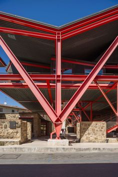Banca a Colle Val d'Elsa - Giovanni Michelucci Construction Container, Steel Frame Construction, Detail Architecture, Factory Architecture, Architecture Interiors, Metal Shop Building, Steel Building Homes, Steel Structure Buildings, Building Structure