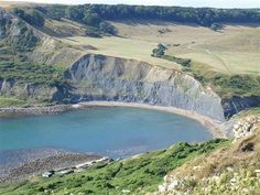 independent walking holiday dorset coast trail Chapmans pool England