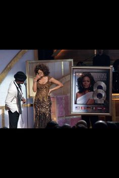 Whitney Houston and R&B star and songwriter Ne-Yo. We Always Love You, Cissy Houston, Whitney Houston Pictures, Hip Hop And R&b, Queen, Popular Music, Female Singers, American Singers, Pop Music