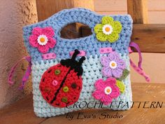 Girls Bag / Purse with Ladybug and Flowers , Crochet Pattern PDF,Easy, Great for Beginners,  Pattern No. 17 von EvasStudio auf Etsy https://www.etsy.com/de/listing/119447787/girls-bag-purse-with-ladybug-and-flowers