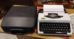 Kirjoituskone Brother 100 Typewriter, Retro Vintage, The 100, Brother