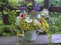 #Букет из дачных цветов  #Bouquet from country flowers  #анемона, #лапчатка, #вербейник, #котовник, #любисток ...