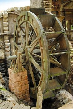 álbumes de fotos Old Grist Mill, Garden Railroad, Water Mill, Urban Survival, Festival Decorations, Alternative Energy, Model Building, Outdoor Projects, Play Houses