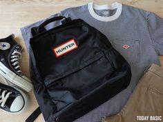 HUNTER・ナイロンバックパックの収納例とコーデ写真。2サイズを比較レビュー【ブログ】 Mothers Bag, Backpacks, Blog, Fashion, Moda, Fashion Styles, Backpack, Blogging, Fashion Illustrations
