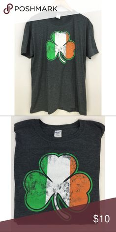 Mens Irish Lucky Clover Leaf T-Shirt Preowned, Mens Irish Lucky Clover Leaf T-Shirt. Gildan Shirts Tees - Short Sleeve