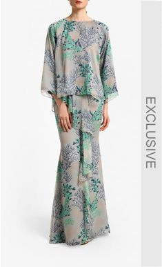 Luna Kurung in Soft Grey Alia B. Kurung set Chiffon Kurung Kedah Ruffled skirt detail Model is 175 cm tall Model is wearing Materia Luna Fashion, Modern Hijab Fashion, Batik Fashion, Muslim Fashion, Abaya Fashion, Kebaya Modern Dress, Kebaya Lace, Grey Prom Dress, Batik Dress