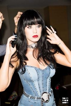 Photoshop Celebrities, Smoking Celebrities, Celebrities With Cats, Celebrities Before And After, Celebrities Then And Now, Hollywood Celebrities, Hollywood Actresses, Disfraz Katy Perry, Katy Perry Wallpaper