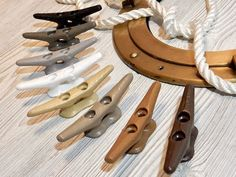 4 Inch Boat Cleats - Painted Cleats - Nautical Hardware, Drawer Pulls Knobs, Towel Hooks - Boat Dock Cleat - Pool Cottage Lake House Decor This listing is for one 4 painted boat cleat for Lake Cottage, Pool House, Cabana, Beach House or Lake Home! ⚓ If your style is casual -