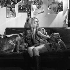 Brigitte Bardot, Lance a call in favour of animals in the TV program 'Panorama', October Photo by Bernard Allemane🍀 Bridget Bardot, Jeanne Moreau, Elisha Cuthbert, Eliza Dushku, Heather Graham, Michelle Rodriguez, Christina Hendricks, Cannes, Fondation Brigitte Bardot