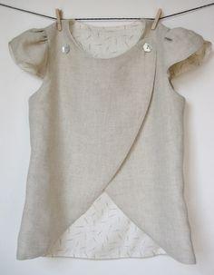Voici un gilet chic ou une jolie tunique selon la façon dont on le porte ( sur un pantalon ou un leggings version décontracté ou sur une jupe ou un...