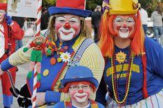 Clowns - 2011 Houston Holiday Parade - by Ray Redding