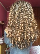 Trendy Hairstyles Curly Long To Get 39 Ideas - - Trendy Hairstyles, Curly Hair Styles, Dreadlocks, Beauty, Ideas, Latest Hairstyles, Dreads, Beauty Illustration, Thoughts