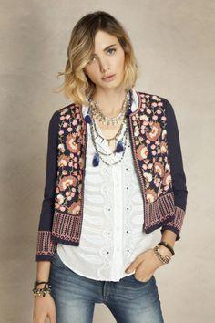 María Cielo: Sacos, chaquetas y blusas de Rapsodia-verano 2016