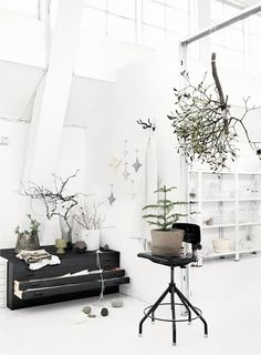White winter interior with a black twist