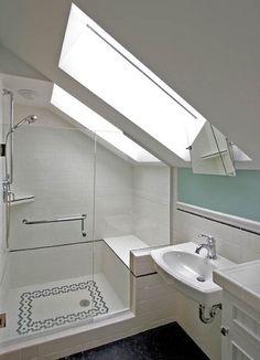 99 Attic Bathroom Ideas Slanted Ceiling (34)