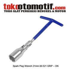 Spark Plug Wrench 21mm 88-521 GRIP – ON - kunci busi  Kode : 030238 Nama : Spark Plug Wrench Merk : GRIP-ON Tipe : 21mm 88-521 Berat Kirim : 1 Kg  spark plug, kunci busi, kunci busi mobil, kunci busi motor, kunci sok busi