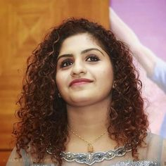 Saree Photoshoot, Malayalam Actress, Portraits From Photos, Baby Dolls, Backgrounds, Photoshop, Actresses, Queen, Actors