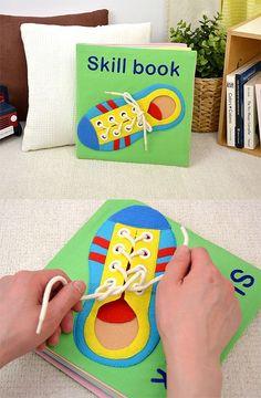 (送料無料)布絵本 できるかな | みんなの声あり | 絵本ナビ My Busy Books, Diy Quiet Books, Baby Quiet Book, Felt Quiet Books, Baby Crafts, Felt Crafts, Crafts For Kids, Kids Learning Activities, Toddler Activities