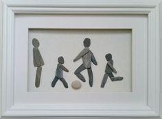 #PebbleArt #FamilyPortrait http://www.pebbleartpictures.com/