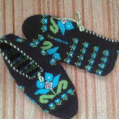 Ravelry: Drop Stitch Wrap pattern by Ing-credible Threads Designs free pattern Wrap Pattern, Knitting Socks, Free Design, Ravelry, Diy And Crafts, Knit Crochet, Stitch, Model, Style