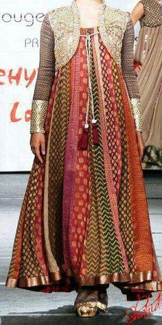 Hina B Salwar Kameez.love the jacket Traditional Fashion, Traditional Dresses, Pakistani Outfits, Indian Outfits, Saris, Shrug For Dresses, Desi Clothes, Indian Clothes, Kurta Designs