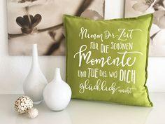Printed decorative cushions give away sofa cushions with filling and saying : Printed decorative cushion sofa cushion with saying sofa cuddly pillow Diy Pillows, Cushions On Sofa, Throw Pillows, Silhouette Cameo Freebies, Decorative Cushions, Pillow Design, Diy Bags, Diy And Crafts, Patterns