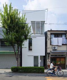 Only in Japan. House in Tamatsu by Ido, Kenji Architectural Studio – Osaka, Japan