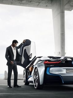 BMW i Spyder, with 'Back to the Future' doors. The coolest electric, slash that, the coolest CAR ever. Bmw I8, 3 Bmw, Us Cars, Sport Cars, Aston Martin, Motivation Business, Daily Motivation, Alpha Romeo, Lamborghini